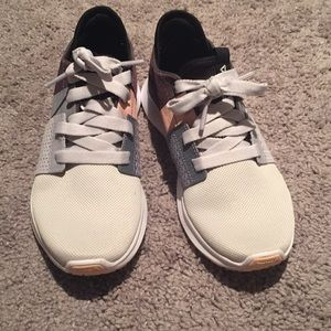 NEW Reebok women's shoes size 6.5